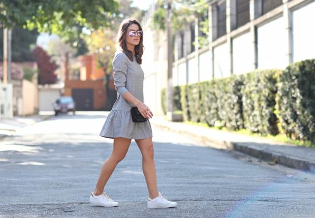 camila-coelho-casual-feminine-look-sneakers